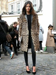 Картинки по запросу leopard coat street style