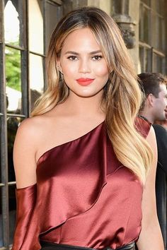 Chrissy Teigan's laid-back beauty look is surprisingly simple to recreate at home