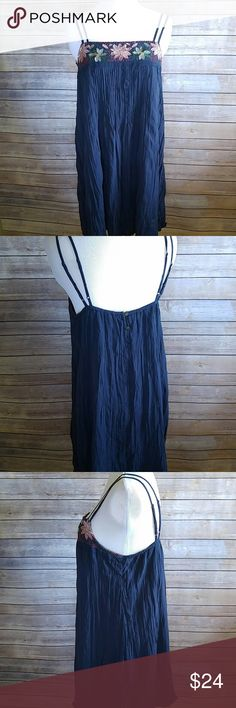"""American Eagle embroidered boho shift dress Love this. Good condition! Adjustable straps. Lined. Viscose. Approx length of dress is 33.5"""". American Eagle Outfitters Dresses"""