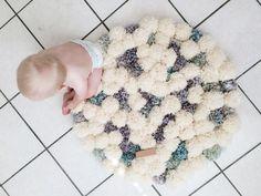 Fantastiche immagini in tappeto di pom pom su nel