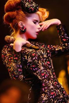 To me, Paloma Faith has the soul of jazz musicians of the past, with her quirks ultimately making her an incredibly fresh and interesting artist. Rockabilly, Female Of The Species, Paloma Faith, Fairytale Fashion, Female Singers, Famous Faces, Girl Crushes, Headpiece, Style Icons