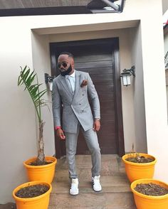 @noble_igwe's suit got me feeling some kind of way. Words Words where art thou?  Dear Men suits are meant to fit. Amen?  #lfdw2015 #Heinekenlfdw2015 #blackmensfashion #dappermensfashion #nobleigwe #blackmenwithstyle