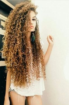 40 long natural curls hairstyles - New Hair Styles 2018 Long Natural Curls, Pelo Natural, Natural Hair Styles, Short Hair Styles, Kinky Curly Hair, Long Curly Hair, Big Hair, Frizzy Hair, Coiffure Hair