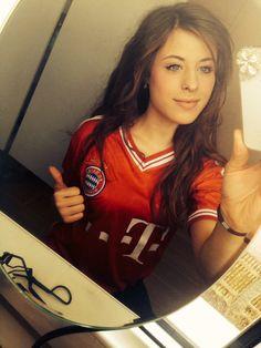 565333a143de Fc bayern münchen Football Girls