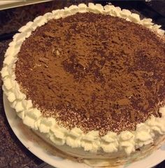 Simple and easy to bake cake No Bake Cake, Tiramisu, Baking, Simple, Ethnic Recipes, Easy, Food, Meal, Patisserie