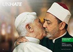 """Já que não dá para promover o amor universal, a Benetton apresenta em sua nova campanha um protesto contra a """"cultura do ódio"""". A """"Unhate"""" mostra diversos"""