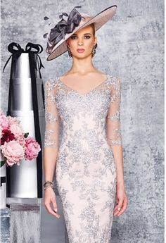 and silver v neck lace dress with sleeves size 22 Knee length lace dress with elbow sleeves and sweetheart neck Product Code: 008923 Colour: Silver/Blush Mother Of Bride Outfits, Mother Of Groom Dresses, Mothers Dresses, Elegant Dresses, Pretty Dresses, Beautiful Dresses, Mob Dresses, Bridesmaid Dresses, Bride Dresses