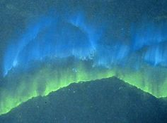 chalk + torn paper as template + black paper = northern lights craft