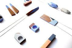 joias madeira marca Crua acessórios azul