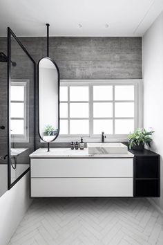 Amazing DIY Bathroom Ideas, Bathroom Decor, Bathroom Remodel and Bathroom Projects to aid inspire your master bathroom dreams and goals. Bathroom Windows, Bathroom Layout, Modern Bathroom Design, Bathroom Interior Design, Home Interior, Small Bathroom, Interior Modern, Bathroom Green, Bathroom Ideas