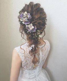 68 trendy bridal shower hair for bride half up down hairstyles Bridal Hair Half Up, Curly Wedding Hair, Wedding Hair Flowers, Flowers In Hair, Bohemian Hairstyles, Bride Hairstyles, Down Hairstyles, Pretty Hairstyles, Winter Bridal Showers