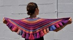 Danube Ruffled Shawl - aran wt, free pattern - very pretty. Done with short rows in one piece - clever.
