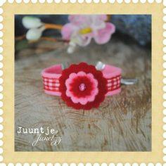 Armbandje van vilt roze-rood bij Juuntje juwelzz in online winkelstad Stad.nl.