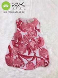 D03 Đầm hoa màu hồng Nếu bé nhà mình yêu thích thời trang phong cách thì những mẫu đầm họa tiết hoa hồng chắc chắn sẽ rất phù hợp.  Điểm nổi bật của những mẫu váy đầm họa tiết này là việc lấy hoa cỏ thiên nhiên làm điểm nhấn cho trang phục trở nên hiện đại, thời trang nữ tính và duyên dáng hơn. Size 1-2y - 5-6y: 385k Size 7-8y - 9-10y: 410k  Inbox hoặc liên hệ hotline 04 6328 5141 để đặt mua hàng bạn nhé #bé #mẹ #nuôi_con #thương #yêu #váy #đầm