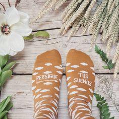 #Collaborazione con #UOStudio  #ContentCreation #VisualContentCreation #InstagramPost #photoshooting   #Vintage #stilllife #socks Flip Flops, Vintage, Instagram, Beach Sandals, Vintage Comics, Slipper, Reef Flip Flops