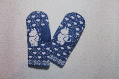 Hand-made adult mittens with moomin pattern by LanaNere on Etsy Crochet Mittens Free Pattern, Fingerless Gloves Crochet Pattern, Crochet Headband Pattern, Knit Mittens, Crochet Slippers, Knitted Gloves, Knitting Patterns, The Mitten, Wrist Warmers