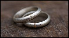Rustic matching wedding band set is an eye-catching alternative to the ordinary. Simply stunning jewelry in sterling silver, 14-carat gold and your choice of finish. https://etsy.me/2EExjkD #goldbands #weddingrings #weddingbands #celticring #engravedrings #alianzas