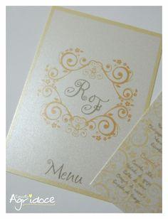 - Menu individual para cada convidado, com os comes e bebes da festa de casamento. <br>- Impresso no papel met�lico branco, 180g. <br>- Tamanho do menu: 9,5 x 13,5 cm. <br>- Cont�m: 1 menu com o card�pio da festa. <br>- Consulte-nos para outras cores.