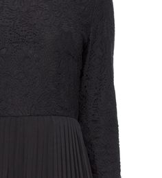 BLACK PLEATED EVENING GOWN