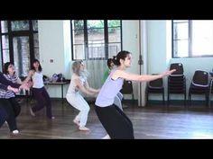 Stage expression primitive (exercices 1groupe, exercices 2 groupes en face à face, chorégraphies, raps). Super !