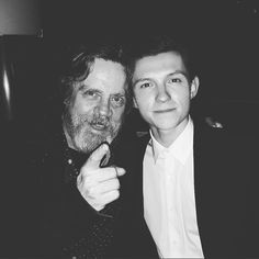 #Spiderman & #LukeSkywalker is #EPIC! Whose side do you think Spidey will be on tomorrow? And who do you think Luke Skywalker would team up with? - - - #Regram @tomholland2013