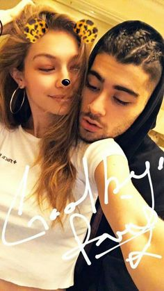 Meet Zee and Gee! Zayn Malik reveals the cute nicknames he and Gigi Hadid call one another. Zayn E Gigi, Gigi Hadid Und Zayn, Gigi Hadid And Zayn Malik, Zayn Malik Style, Zayn Malik Pics, Zayn Mailk, Beaux Couples, Cute Couples, Power Couples