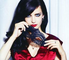 Eva green Her father is Swedish and French descent.Her mother was born in Algeria, of  Sephardic Jewish back ground.@