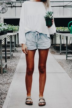 I love how casual and comfy those shorts look! A summer must have.