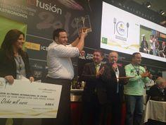 "Xanti Elías, from the restaurant Acánthum in Huelva, wins the XII award ""Jaén, inner paradise"" with our #EVOO"