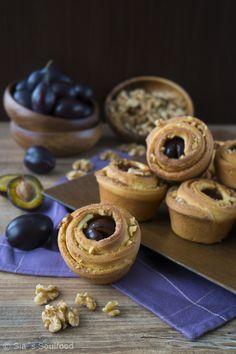 Pflaumen-Walnuss-Zimtschnecken I Plum and walnut cinnamon rolls