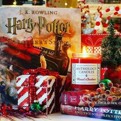 Christmas truly is the most wonderful time of the year! If you could decorate with a swish of your wand would you or would you do it the Muggle/No-Maj way?  Wizard's Christmas is chocolate and peppermint deliciousness AND it features a NEW CUSTOM WIZARDING SCROLL LABEL from the great @jeffgranitodesigns   Stunning photo from our friend @jenniferwindram  Tag us @anthologycandles in your pics to share!    #anthologycandles #harrypotter #wizard #wwohp #hogwarts #hogsmeade #potterhead…
