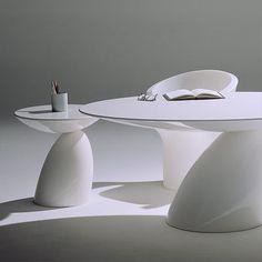 MODERN: Eero Aarnio-Parabel Tables