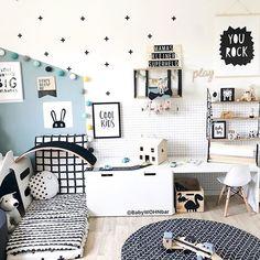 Bergfest Habt einen sonnigen Mittwoch!  Lieben Dank an Isabelle von @babywohnbar für dieses hübsche Foto ihrer good moods Lichterkette!  Und immer noch erhaltet ihr 20% auf jede Bestellung in unserem Summer Sale mit dem Code: SUMMER20  #boysroom #kinderzimmer #babywohnbar #lights #goodmoods #stringlights #interiordesign #mint #black #white #kinderzimmer #kidsroom #dekoration #lebenmitkindern #mittwoch #wednesdays #summer #2018 #mutter #mother #kidsrock