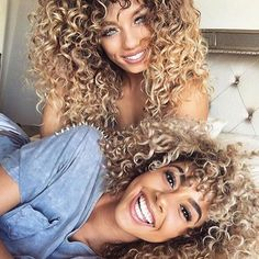Curls just want to have fun! @jenafrumes x @goldennn_xo