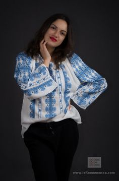 hand embroidered Romanian blouse ie romaneasca - worldwide shipping
