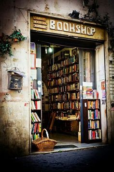 Quirky little book shop in alley in Rome.