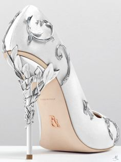 RALPH & RUSSO EDEN PUMP WHITE SATIN WITH SILVER LEAVES