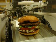 Desarrollan un robot capaz de hacer las hamburguesas mejor que en el McDonalds – #abrelabocaquecaen