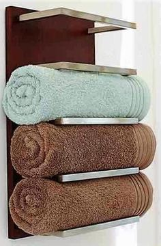 Complementos baño/ accesorios baño: Este #toallero #baño es muy bonito.  towel storage ideas for small bathroom, bathroom shelves