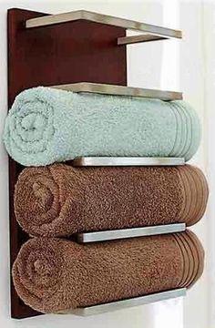 Complementos baño/ accesorios baño: Este #toallero #baño es muy bonito.  towel storage ideas for small bathroom, bathroom shelves