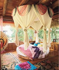 Round Canopied Bed from Three Dead Kings