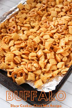 [ Easy Tailgating Snack: Baked Buffalo Chex Mix Looking for an easy Tailgating snack idea? This CrockPot Buffalo Chex Mix recipe is full of flavor and couldn't be easier to make. Snack Mix Recipes, Tailgating Recipes, Easy Tailgate Food, Chex Recipes, Buffalo Chex Mix Recipe, Yummy Appetizers, Appetizer Recipes, Game Day Food, Diet And Nutrition
