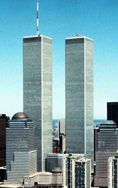 The tragic events of 9/11 will be revisited in a new opera opening this month in London.  Between Worlds by English composer Tansy Davies tells the story of six people trapped high up in the World Trade Center.