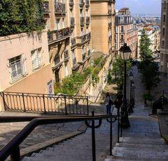 #paris #montmartre #loveparis #travel #tourism #world #worldcities #beautifulcity #beautifuldestinations #visitparis #welcometoparis #myparis #discoverparis #milenaguideparis #iloveparis #myparis #instaparis #instaeurope #париж #монмартр #гидпариж #франция