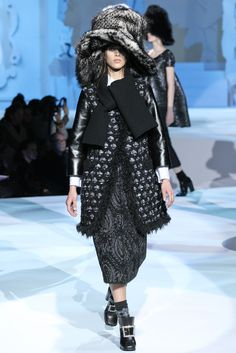 Marc Jacobs Fall 2012 Ready-to-Wear Fashion Show - Aymeline Valade