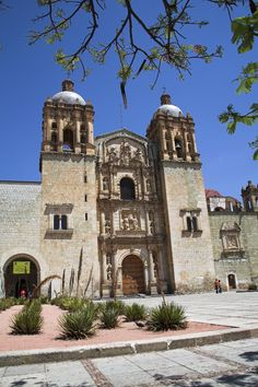 Museo de las Culturas de Oaxaca, Mexico | The Museum of Oaxacan Cultures, housed in the beautiful monastery buildings adjoining the Templo de Santo Domingo, is one of Mexico's best regional museums. The rich displays take you right through the history and cultures of Oaxaca state up to the present day, and emphasize the direct lineage from Oaxaca's pre-Hispanic to contemporary cultures in areas such as crafts, medicine and food.