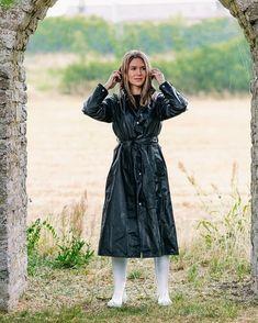 Rain Cape, Pvc Raincoat, Rain Wear, What To Wear, Photos, Retro, Lady, Winter Parka, Clothes
