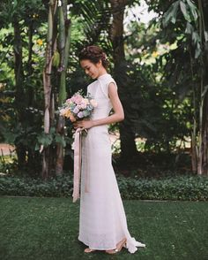 """259 Likes, 3 Comments - Ong Shunmugam (@ongshunmugam) on Instagram: """"Out Of The Studio: Ho Sin pairs her less-is-more Meena wedding cheongsam with her more-is-more…"""""""