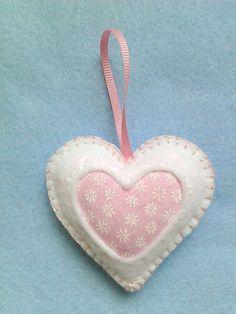 Handmade felt hearts set of 6 by LITTLEFACTORYCRAFTS on Etsy