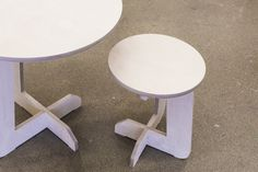 Stool and table to be assembled without glue Stool, Table, Furniture, Home Decor, Homemade Home Decor, Stools, Mesas, Home Furnishings, Chair